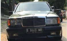 1988 Mercedes-Benz 300E dijual