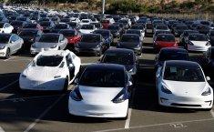 Fitur Tesla Enhanced Summon, Layaknya Memiliki Chauffeur Pribadi