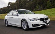 Dua Pilihan Sedan Mewah Bekas Harga Mirip, BMW 320i 2013 atau Honda Accord 2013?