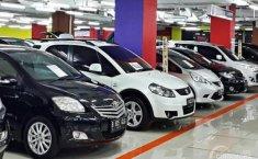 Tips Beli Mobil Bekas di Showroom, Wajib Teliti Jika Tak Mau Rugi