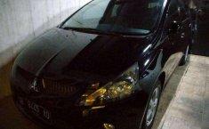 Mitsubishi Grandis () 2005 kondisi terawat