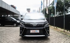 Jual Mobil Toyota Voxy A/T 2017