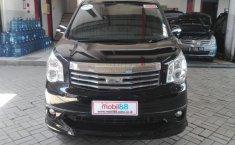 Jual Toyota NAV1 V Luxury A/T 2013