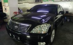 Jual mobil Toyota Crown Royal Saloon 2005