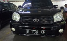 Jual mobil Toyota RAV4 J 2005
