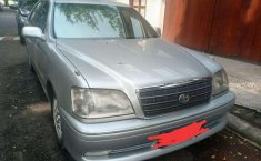 Toyota Crown  2002 Silver