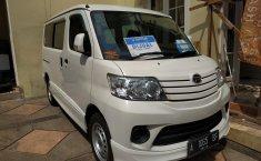 Jual mobil Daihatsu Luxio D 2018