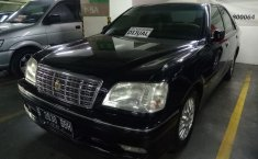 Jual mobil Toyota Crown Royal Saloon 2000