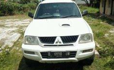 Mitsubishi L200 Strada 2005 Putih