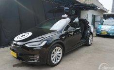 Review Tesla Model X 75D 2016: e-Taxi Bluebird yang Mewah dan Ramah Lingkungan
