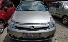 Jual mobil Honda Stream 2.0 2006
