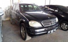 Jual Mobil Mercedes-Benz M-Class ML 270 2000
