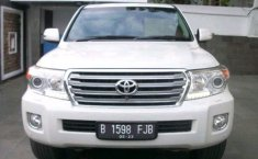 Jual Toyota Land Cruiser 4.2 VX V8 2013