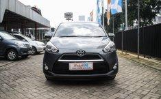 Jual mobil Toyota Sienta V 2017