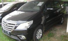 Jual mobil Toyota Kijang Innova 2.0 V 2014