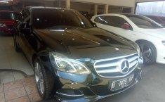 Jual mobil Mercedes-Benz E-Class E250 2014