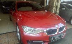 Jual mobil BMW 3 Series 320i 2013