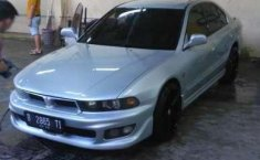 Mitsubishi Galant  2000 Silver