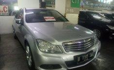 Jual mobil Mercedes-Benz C-Class C200 2012
