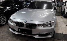 Jual mobil BMW 3 Series 320i F30 Luxury 2013