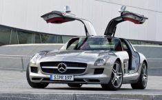 Review Mercedes-Benz SLS AMG 2010