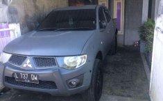 Mitsubishi Triton  2011 Abu-abu