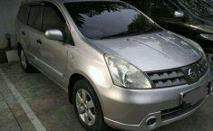 Nissan Grand Livina 2009 terbaik