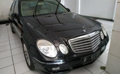 Jual mobil Mercedes-Benz E-Class E 280 2009