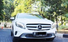 Mercedes-Benz GLA 200 2015 Putih