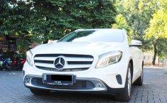 Jual mobil Mercedes-Benz GLA 200 2015