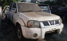 Nissan Frontier  2006 Putih