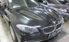 Jual mobil BMW 5 Series 528i Executif 2012