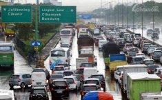 H-6 Lebaran, Tol Jakarta-Cikampek Dipadati 24.618 Kendaraan