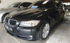Jual BMW 3 Series 320i 2010