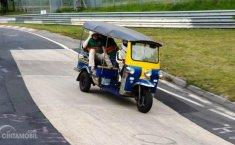 Tuntaskan Satu Lap Nordschleife, Sebuah Tuk-Tuk Cetak Rekor Nurburgring