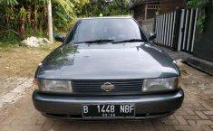 Nissan Sentra  1992 Abu-abu
