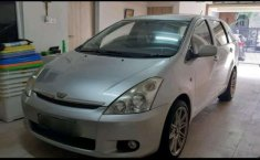 Toyota Wish G 2004 harga murah