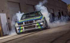 EV West Sukses Kawinkan BMW M3 E36 Dengan Motor Listrik Tesla Model S