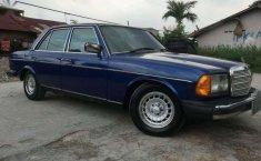Mercedes-Benz 200 1985 dijual