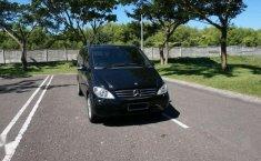 Mercedes-Benz Viano 2011 dijual