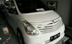 Hyundai H-1 2010 terbaik