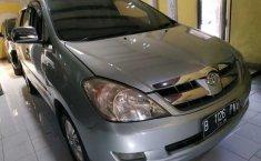 Jual Toyota Kijang Innova 2.0 V 2004