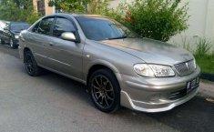 Nissan Sentra  2001 Abu-abu