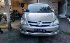 Toyota Kijang Innova (2.0 G) 2005 kondisi terawat
