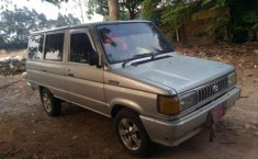 Toyota Kijang 1989 dijual