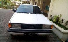 Nissan Sentra 1.6 Sedan 1990 harga murah