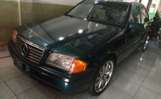 Jual Mercedes-Benz 200E 2.0 Manual 1995
