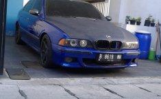 Jual BMW 5 Series 520i 2001 mobil bekas murah