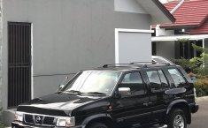 Jual Nissan Terrano Spirit S3 2005 mobil bekas murah