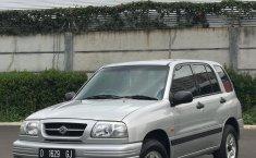 Jual Suzuki Escudo 2.0i 2003 mobil bekas murah